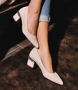 heeled shoes 1