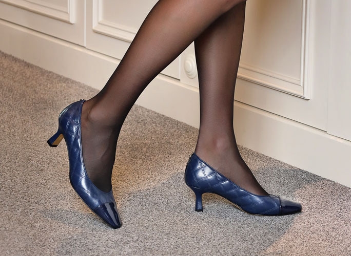 Classic heeled shoes